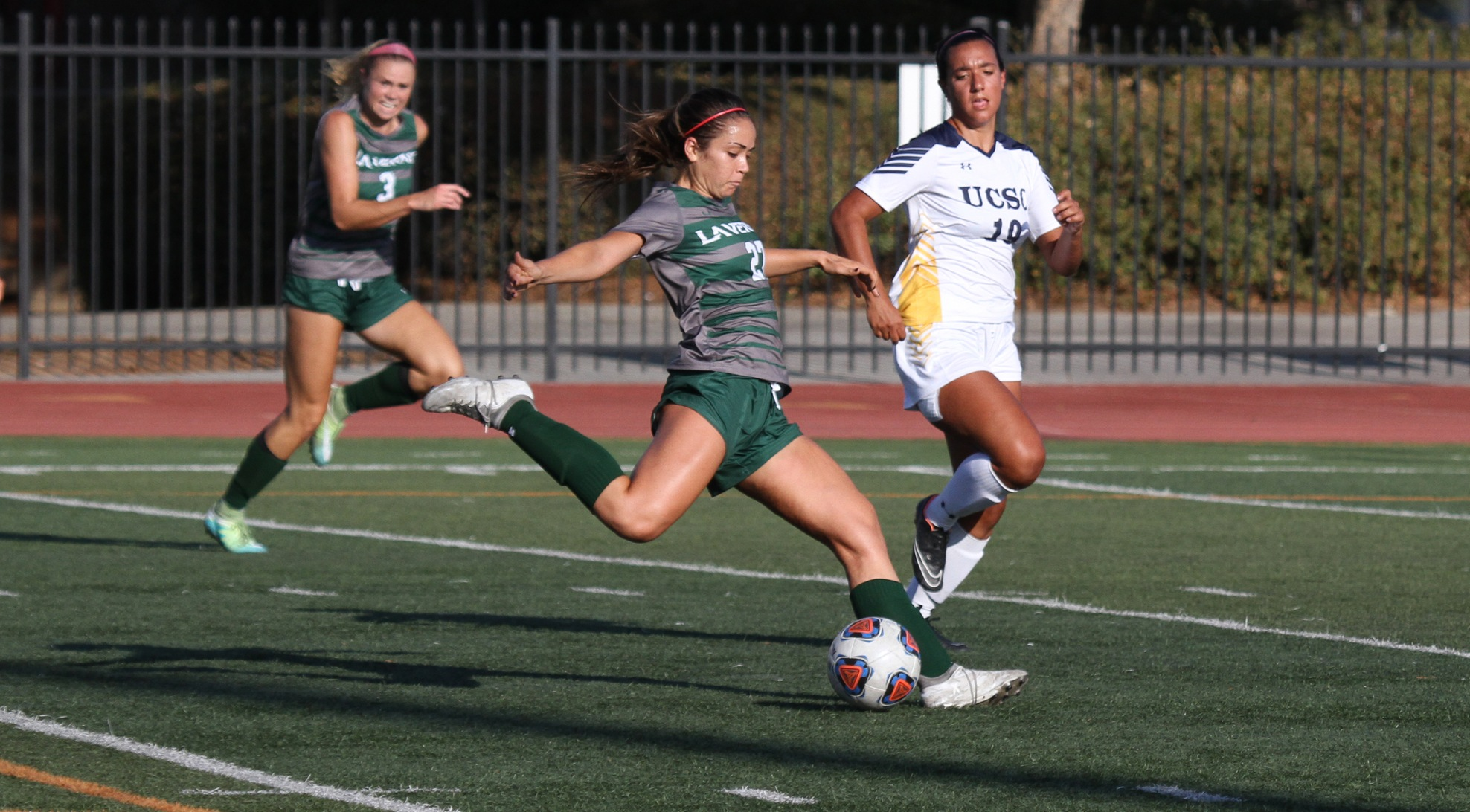 Women's Soccer beats UC Santa Cruz in OT