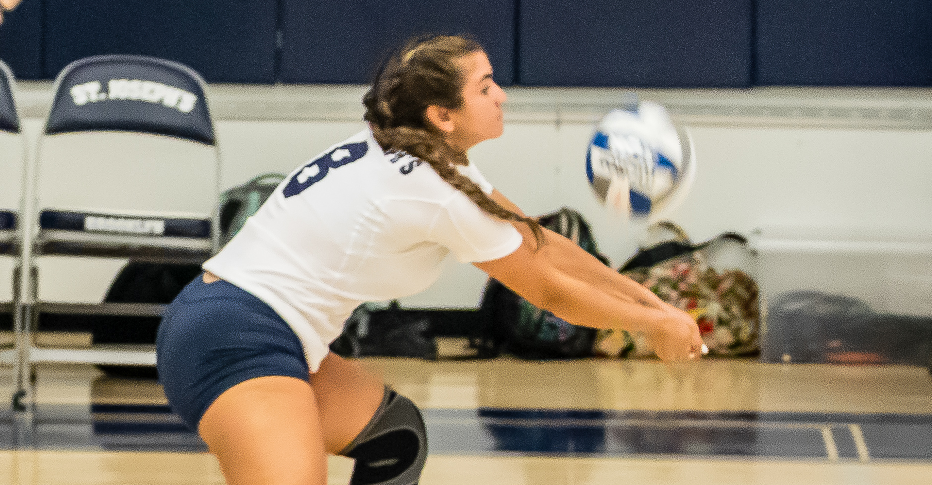 Women's Volleyball Takes Set Off John Jay in Road Test