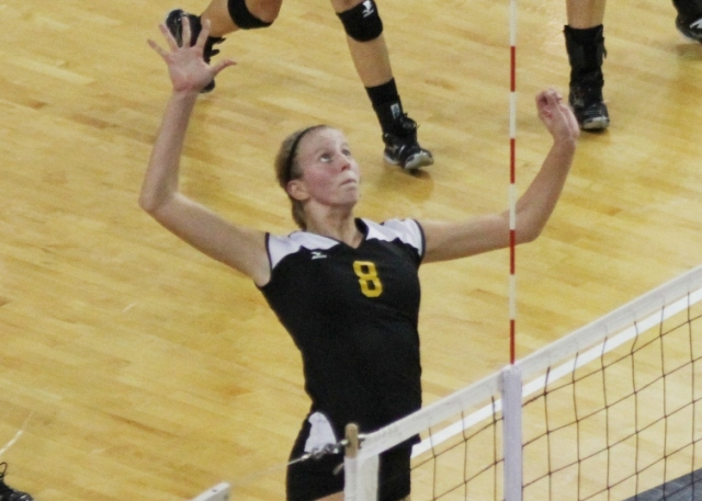 Panthers Can't Hold Off Tiffin, Fall 3-2