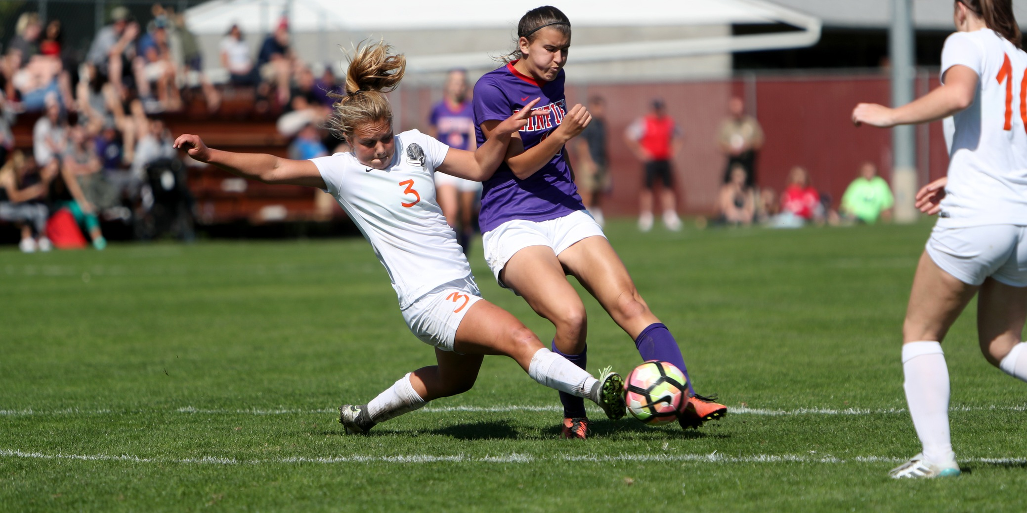 Offensive woes hinder Pios in loss at Linfield