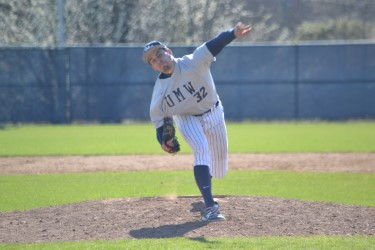 UMW Baseball Splits Doubleheader vs. Messiah