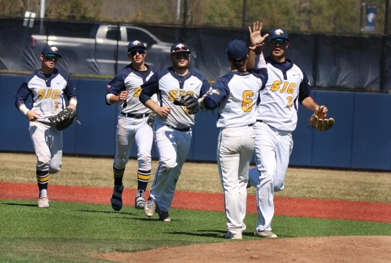 Baseball Splits Conference Doubleheader with USMMA 1-0, 3-2