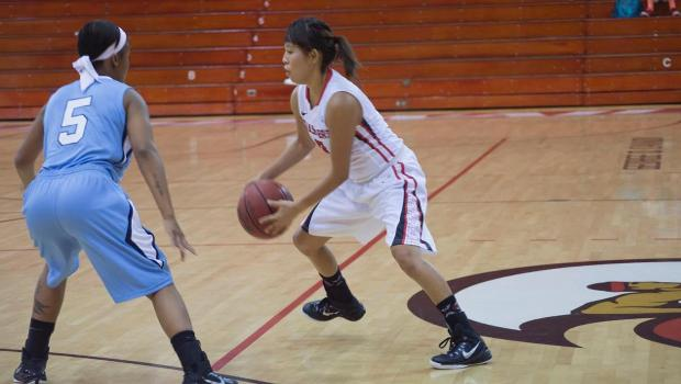 Three Ball Propels Seasiders to Victory Over Oaks