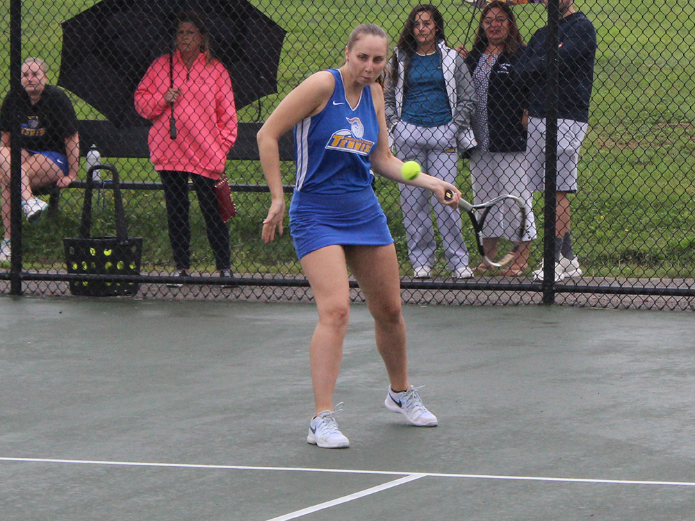 Tennis Drops 6-3 Decision to Southern Maine