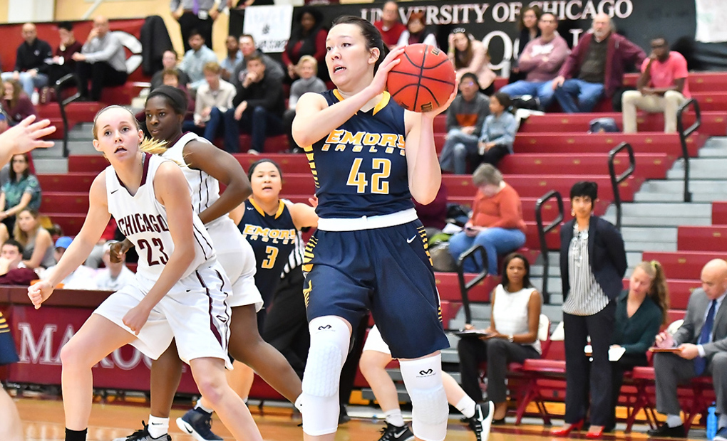 Oldshue's Career Afternoon Helps Women's Basketball Push Win Streak to Six