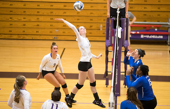 Women's Volleyball Falls at Saint Anselm During NE10 Evening Action