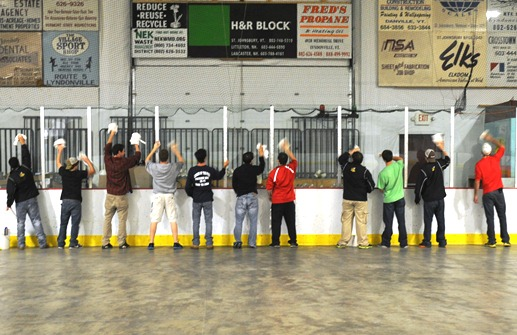 Lyndon ice hockey club lends a hand