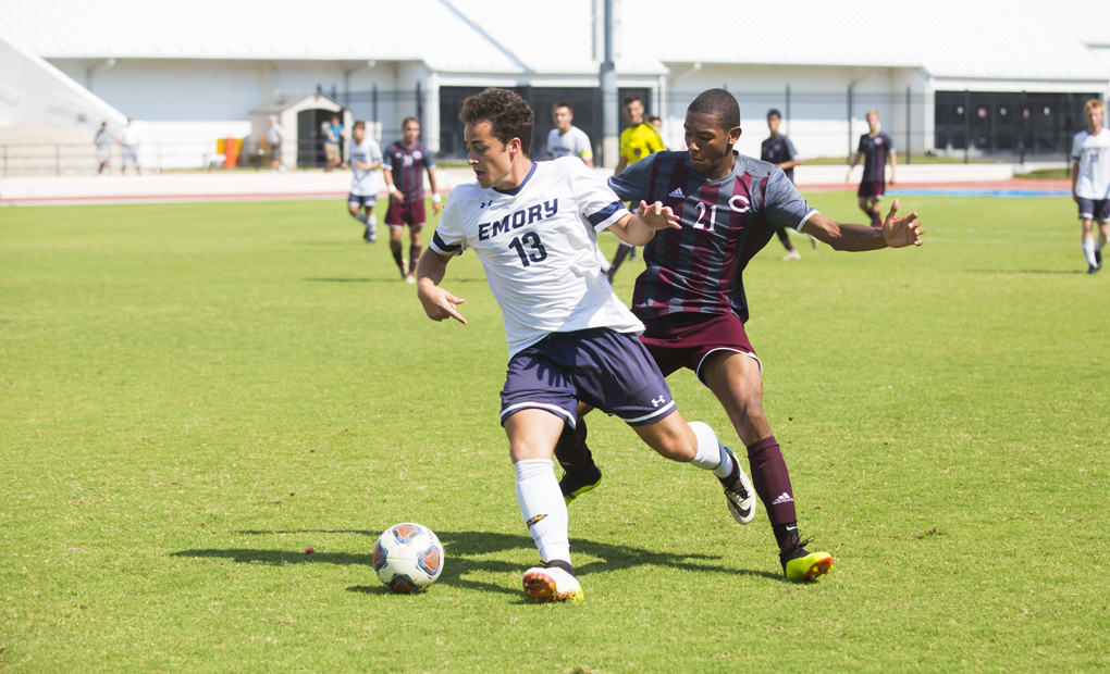 Men's Soccer Sees Win Streak Snapped at No.-6 Chicago in UAA Opener