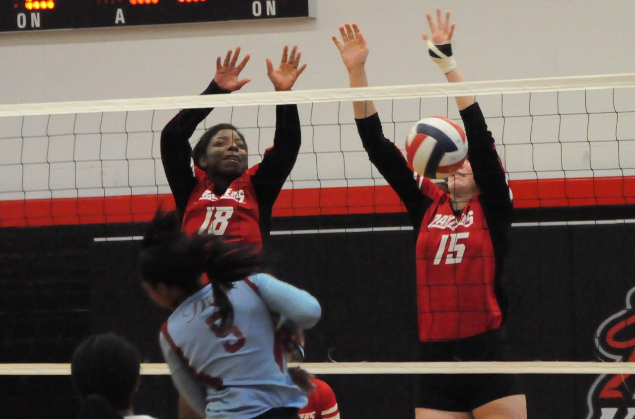 Volleyball: Panthers fall in USA South matches Saturday