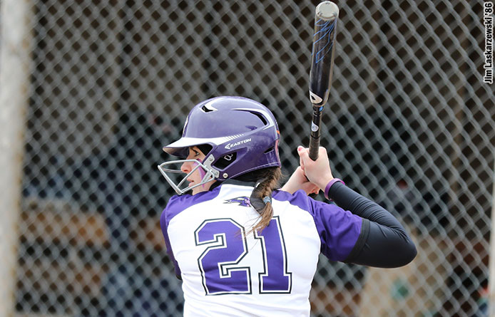 Softball Swept in Twinbill by Stonehill, 7-6 and 3-1
