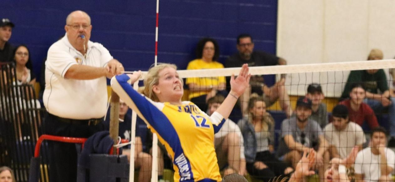 No.15 Women's Volleyball Stays Perfect in GNAC Play With Sweep of USJ