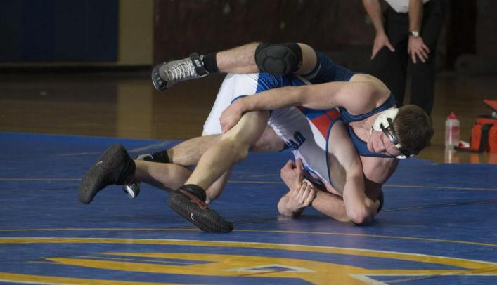 Wrestlers Host Blugold Open; Three Blugolds Place in Top Six