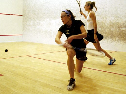 Women's squash overwhelms NYU, 8-1