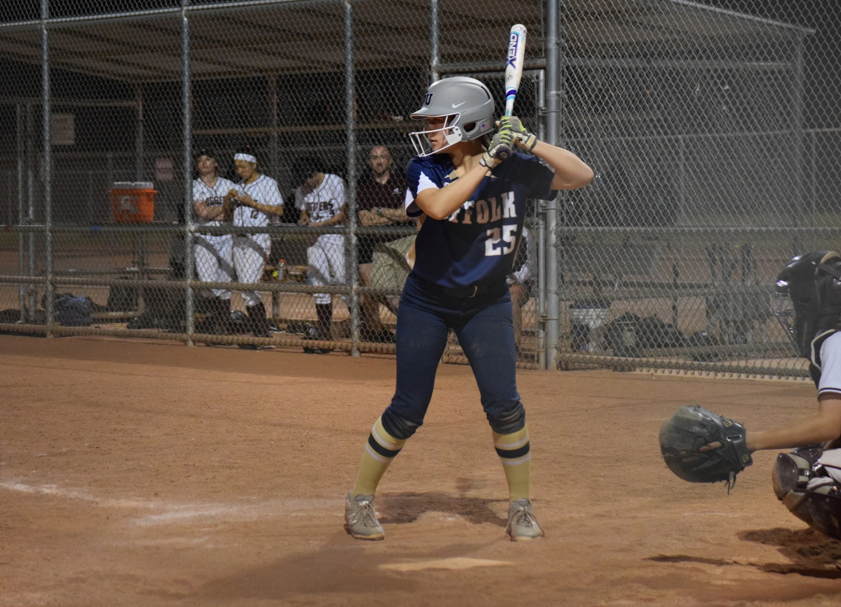 Softball Splits Doubleheader at Suffolk