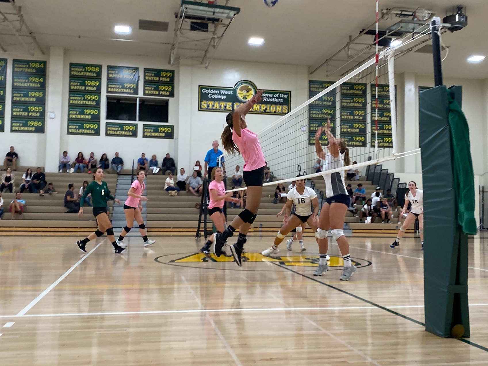 W Volleyball: Swept by the Top Team in the State