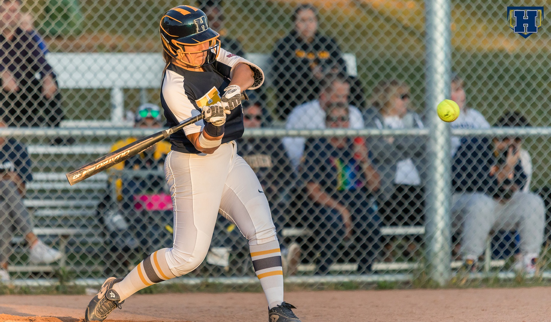 Softball Sweeps Mohawk to Close Out Homestand