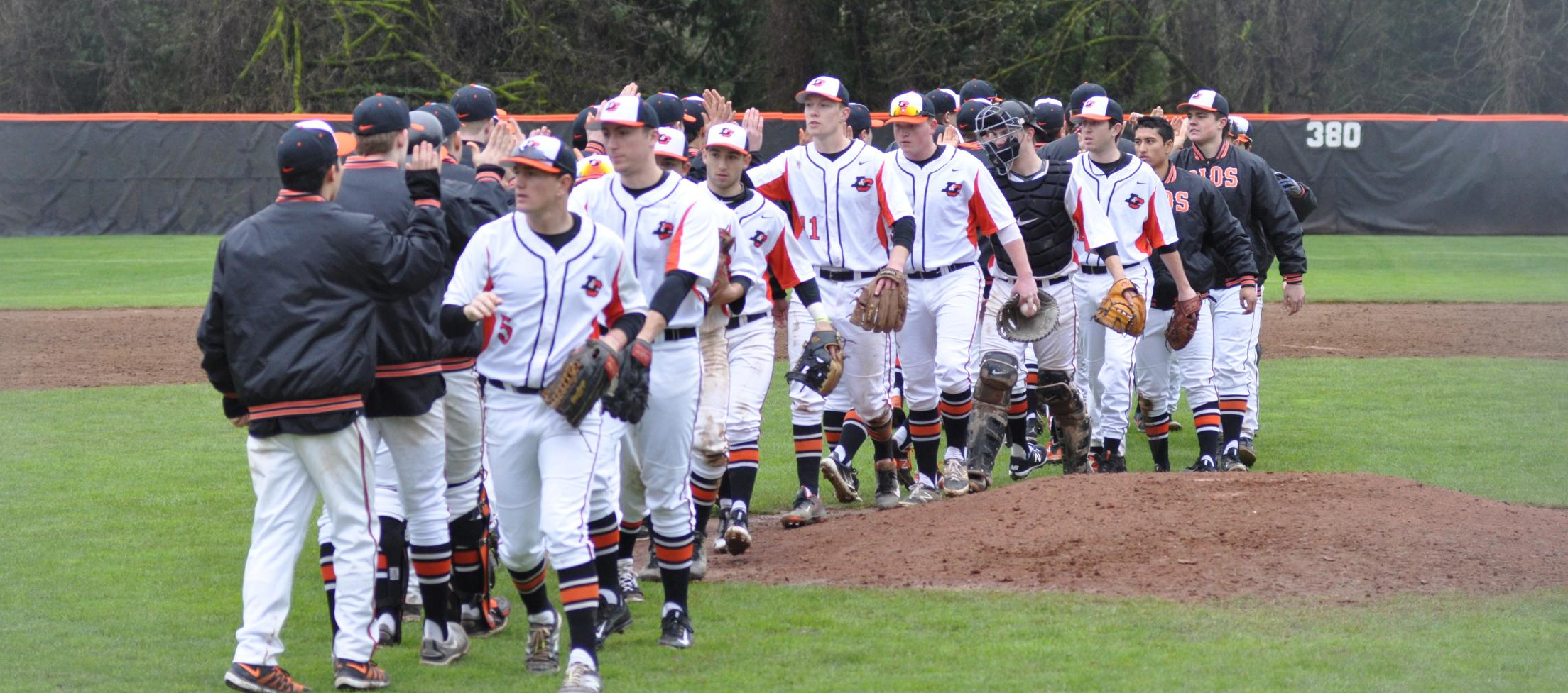 Pioneers drop third game, take series from Puget Sound