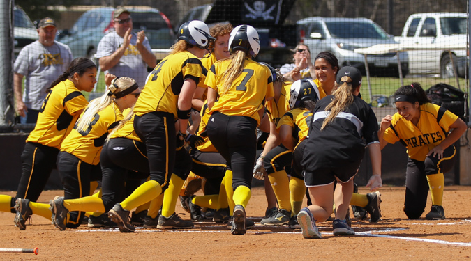 Softball takes two in SCAC opener against Schreiner