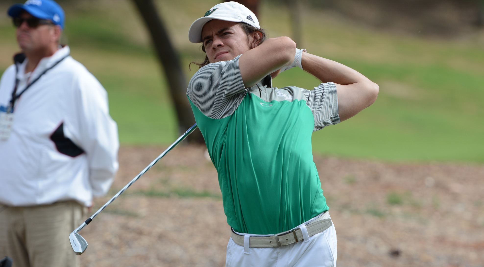 Men's Golf falls back on Day 2, retains overall lead