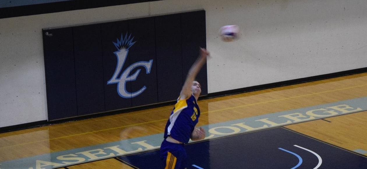 Men's Volleyball Splits with Nighthawks and Leopards