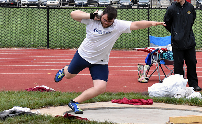Men's Track & Field Competes at Gina Relays