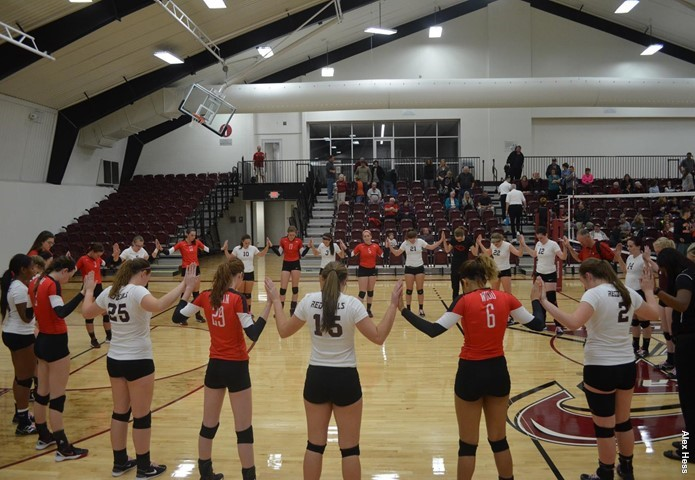 Lincoln Christian downs Eureka in final home match