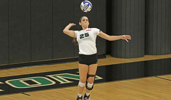 Caldwell's Late Game Runs Sinks Wilmington Volleyball in Straight Sets