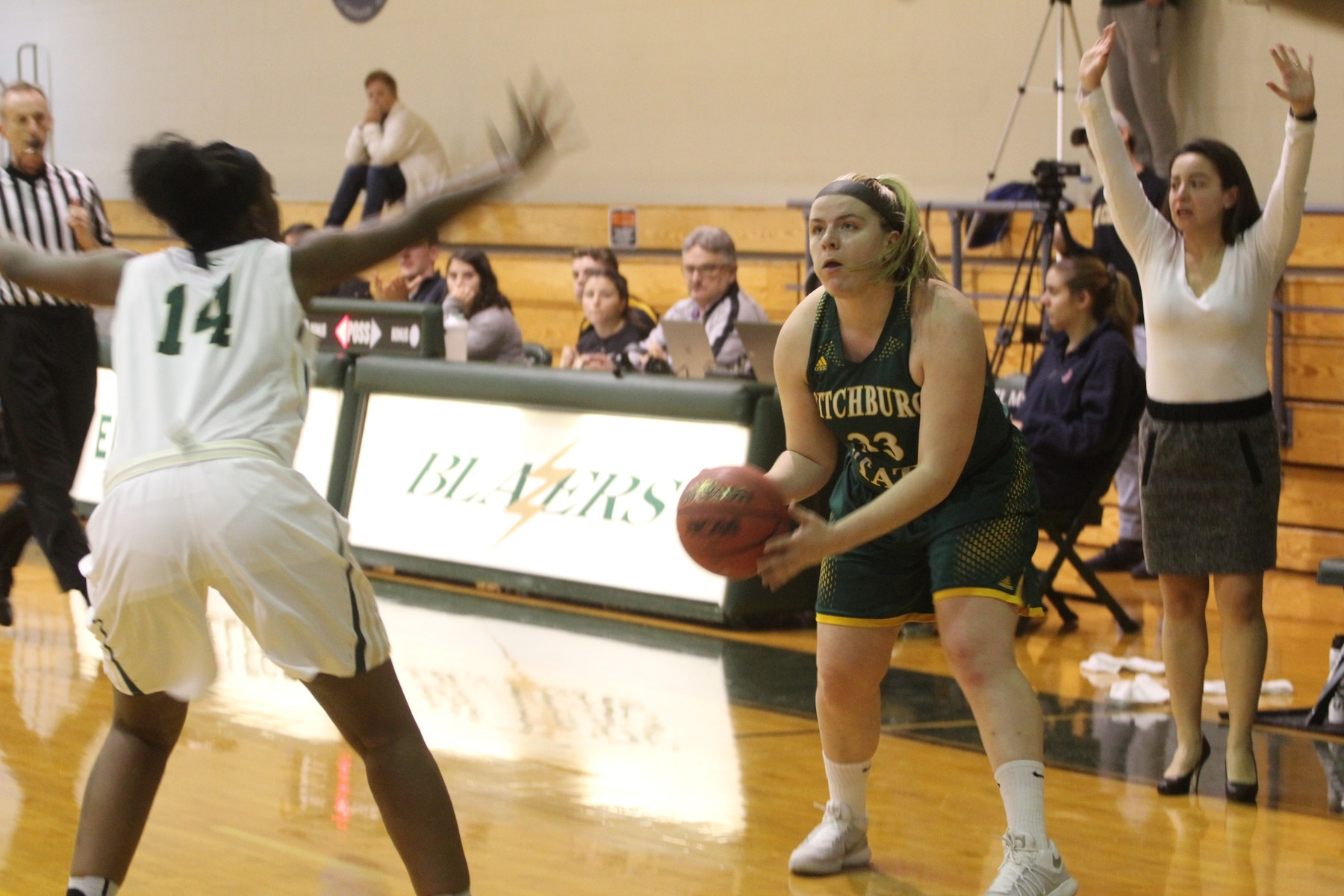 Falcons Clipped By Mustangs, 94-80