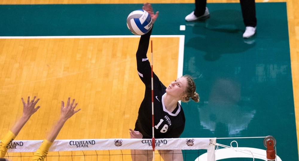 Vikings Battle For Five-Set Victory At Green Bay
