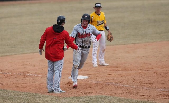 Baseball Drops a Pair at #25 UW-Oshkosh