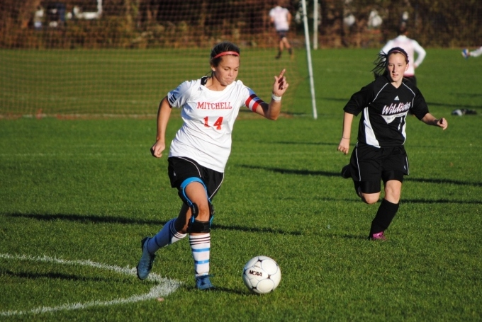 Women's Soccer Blanks Bay Path