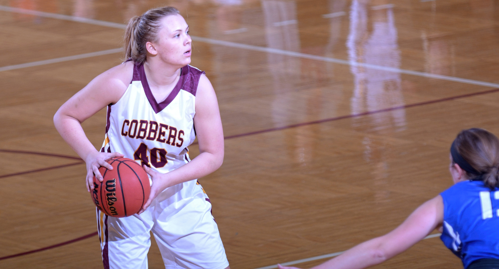 Sophomore Mira Ellefson led Concordia in scoring with 13 points in the team's conference opener at Macalester.