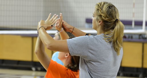 Volleyball hosts hitting clinic Saturday
