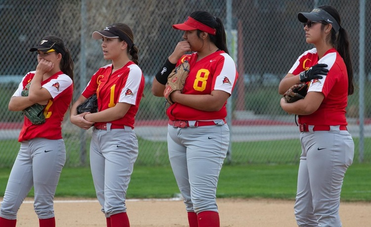 COD Softball fights hard in 5 inning loss to #6 Comets, 21-1