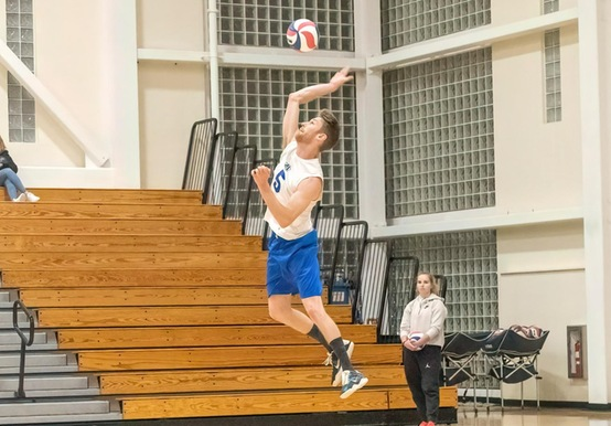 MEN'S VOLLEYBALL CRUISES PAST NEWBURY, 3-0