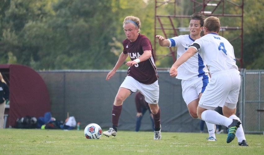 Men's Soccer Defeats Spalding, Finishes Second at the Bob Allen Classic