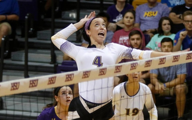 Cowgirls Push Winning Streak To Four