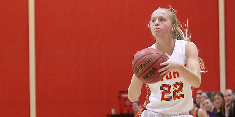 Coe knocks Simpson out of IIAC Tournament 70-64