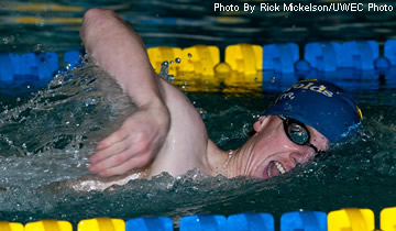 Men's Swimming & Diving Falls to Warhawks