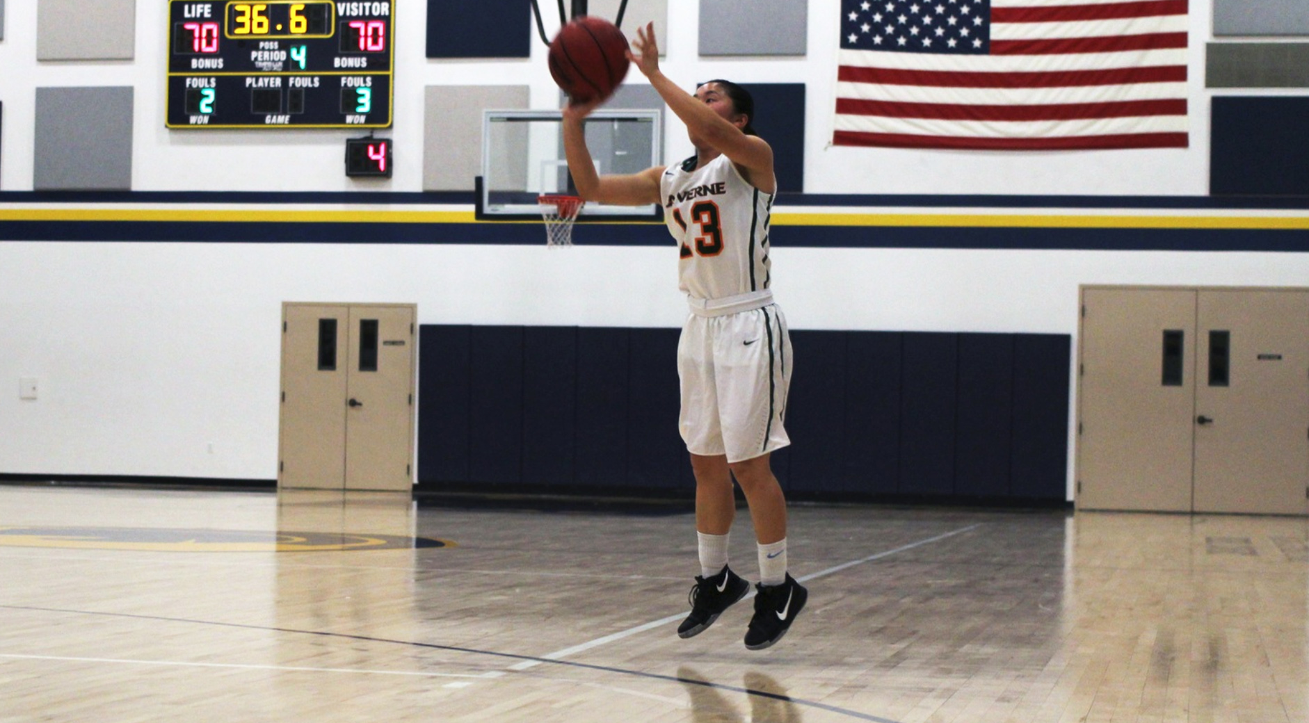 Kurahashi scores ULV record 11 three-pointers in win