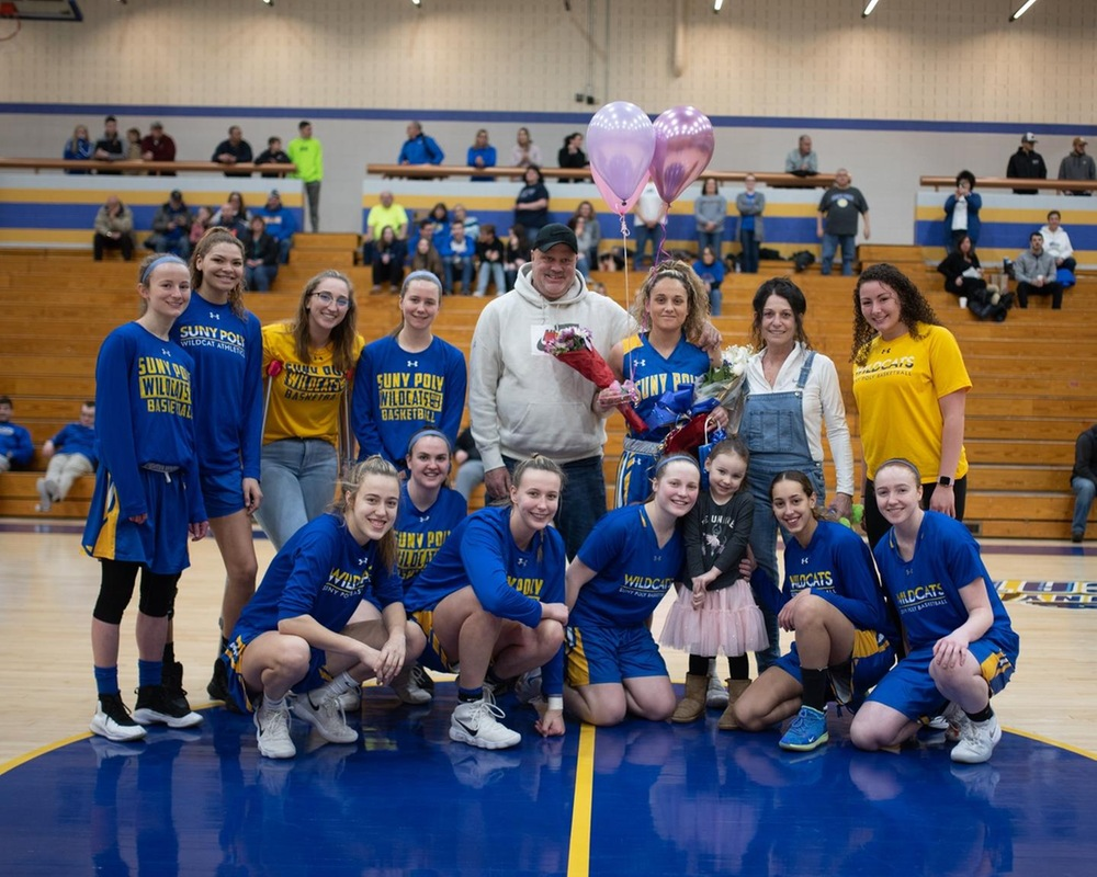 WBB: Milestones Fall in Senior Day Win Over St. Elizabeth.