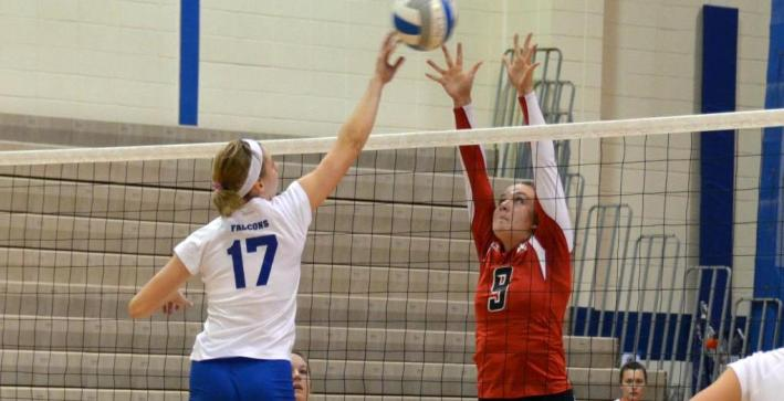 Volleyball drops two at Pizza Hut Classic