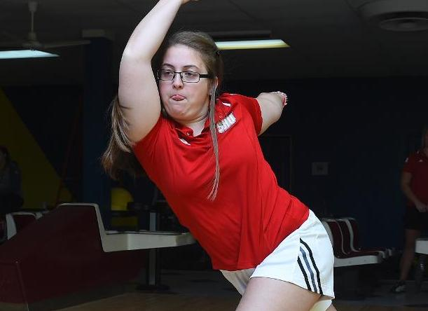 Bowling Goes 2-2 On Day One Of First NEC Meet