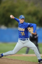 Oliver's Single Makes Gauchos Walk-Off Winners