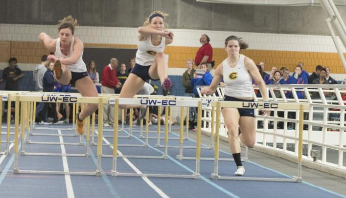 Women's Indoor Track & Field Wins Three Events at UST Invite