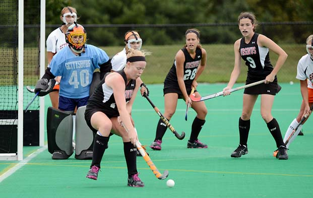 Field Hockey knocks off Messiah, 2-1