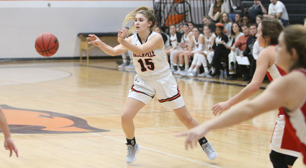 Women's basketball gets back on track at Iowa Wesleyan