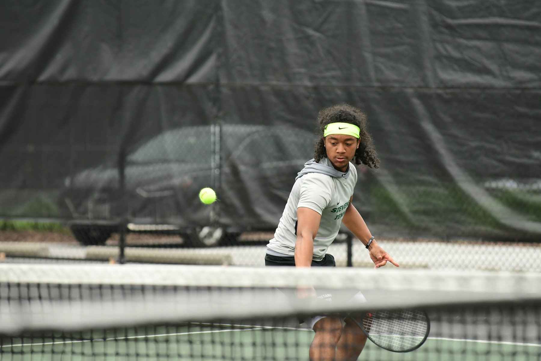 Men's Tennis Dominates Catholic in Season Opener