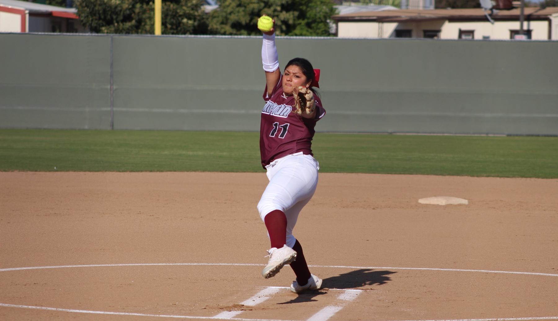 Arrington-Edwards, Rodriguez Lead Softball in Sweep of Rustlers