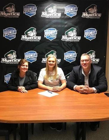Emma Marion Signs Letter of Intent to Play Volleyball for the Mystics